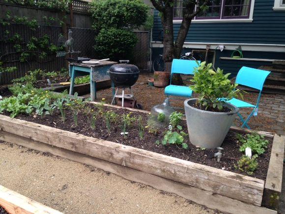 image from http://gardenrooms.typepad.com/.a/6a00e008cbe8b5883401a511a3b3b3970c-pi