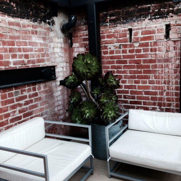 image from http://gardenrooms.typepad.com/.a/6a00e008cbe8b5883401b7c704a991970b-pi