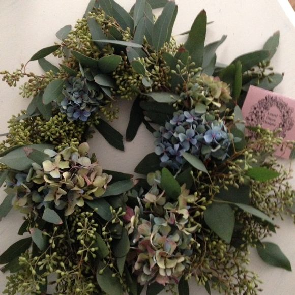 image from http://gardenrooms.typepad.com/.a/6a00e008cbe8b5883401b8d0971bb1970c-pi