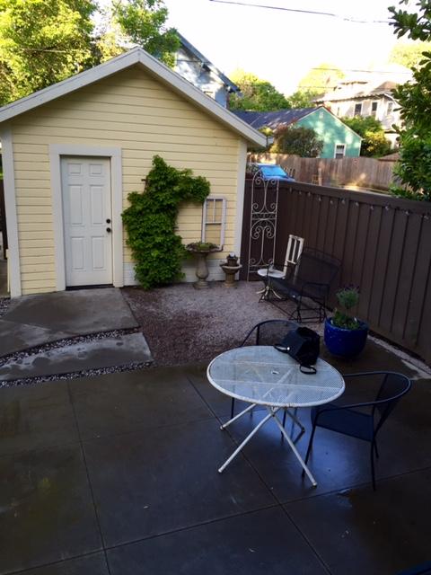 image from http://gardenrooms.typepad.com/.a/6a00e008cbe8b5883401b8d1e345f0970c-pi
