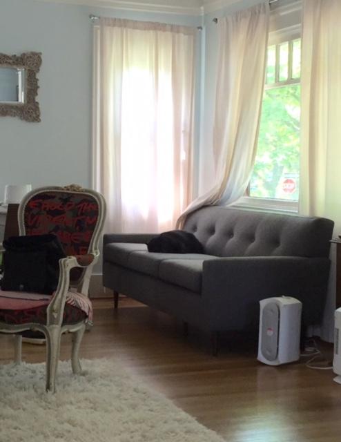 image from http://gardenrooms.typepad.com/.a/6a00e008cbe8b5883401b7c8685259970b-pi