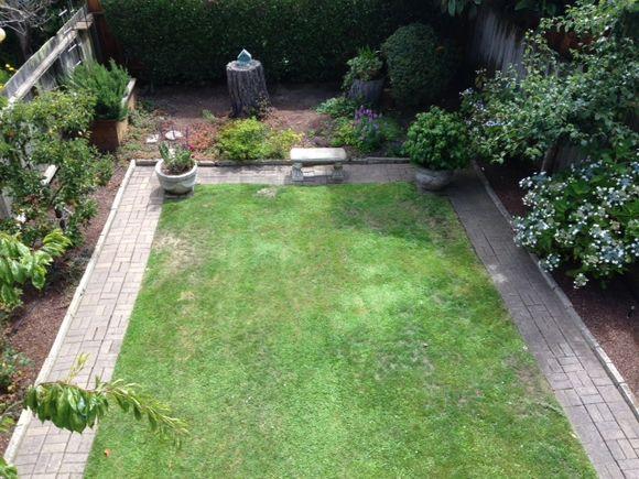 image from http://gardenrooms.typepad.com/.a/6a00e008cbe8b5883401b8d0bb6a92970c-pi