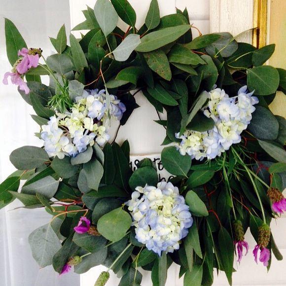 image from http://gardenrooms.typepad.com/.a/6a00e008cbe8b5883401bb0835527e970d-pi