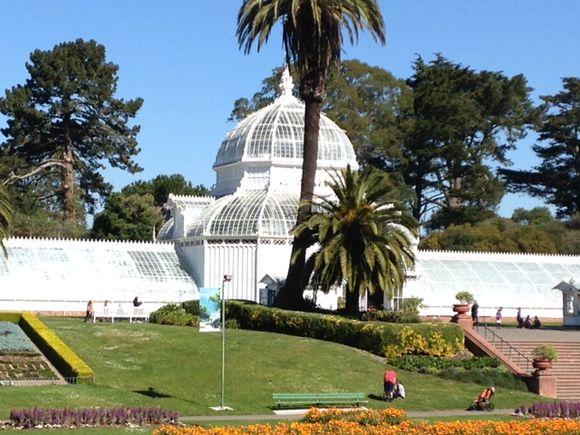 image from http://gardenrooms.typepad.com/.a/6a00e008cbe8b5883401b7c75a6230970b-pi