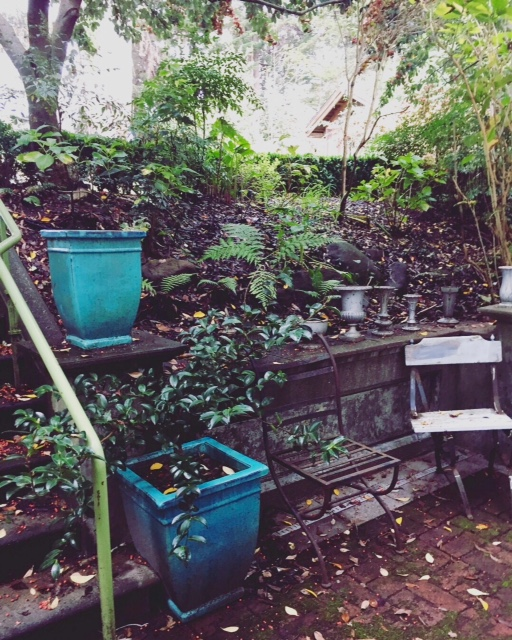 image from http://gardenrooms.typepad.com/.a/6a00e008cbe8b5883401b8d2ccc877970c-pi
