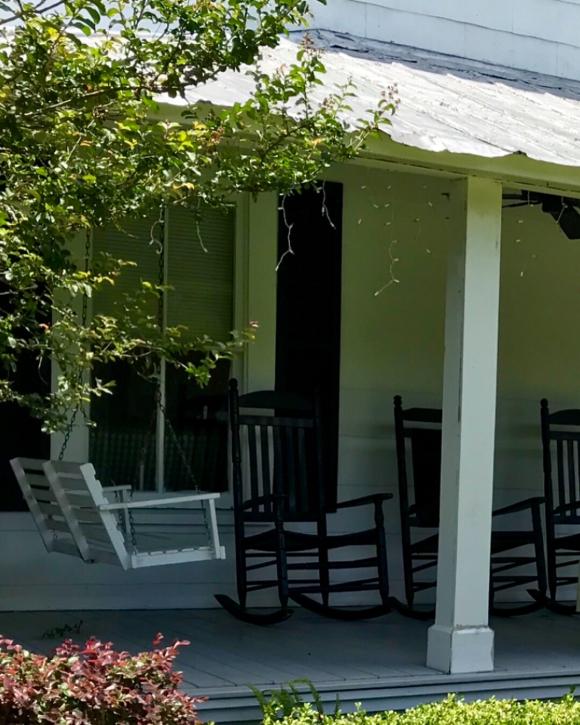 image from http://gardenrooms.typepad.com/.a/6a00e008cbe8b58834022ad3578e76200c-pi