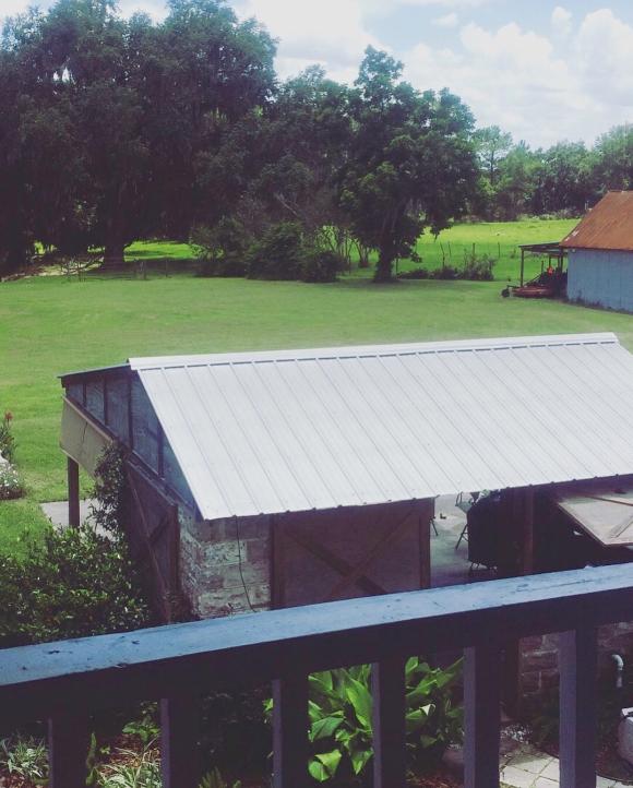 image from http://gardenrooms.typepad.com/.a/6a00e008cbe8b58834022ad37d803a200d-pi